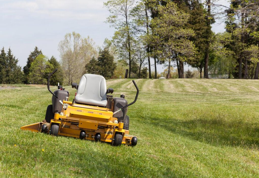 keller-tree-service-pros-lawn-maintenance-1_orig